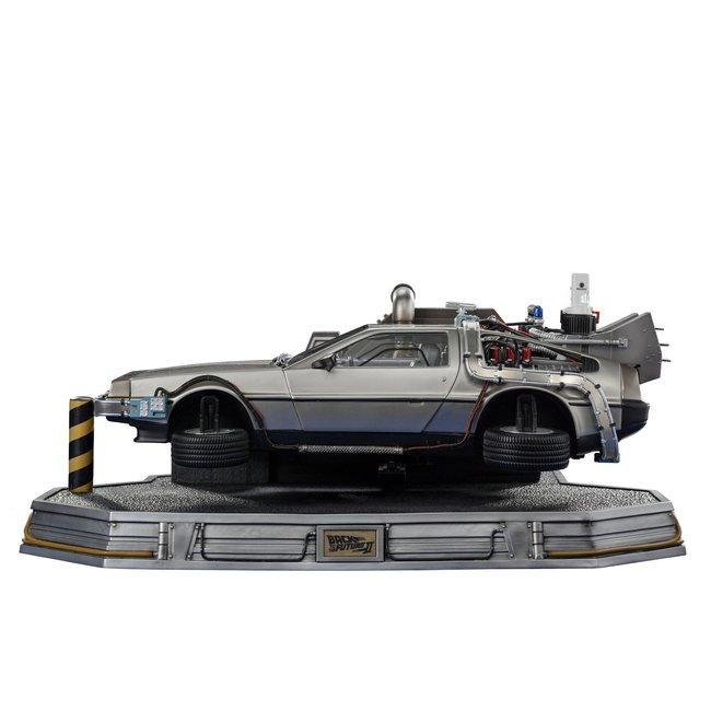 Iron Studios Back to the Future II Art Scale Statue 1/10 DeLorean 58 cm