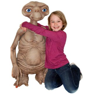 NECA  E.T. the Extra-Terrestrial Replica E.T. Stunt Puppet 91 cm