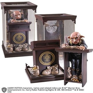 Noble Collection Harry Potter Magical Creatures Statue Gringotts Goblin