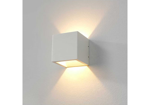 Artdelight Wandlamp Cube 10x10 cm wit