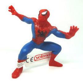 Yolanda Spider-Man stehend