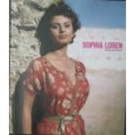 Pavilion Sophia Loren · A Life in Pictures