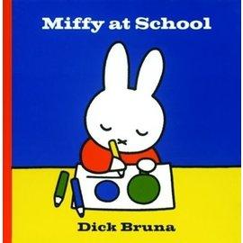 Simon & Schuster Miffy at school - Dick Bruna