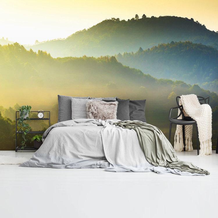 Heuvels bij zonsopgang Stilte - Warmte - Bos - Natuur  - Fotobehang 384 x 260 cm Vlies