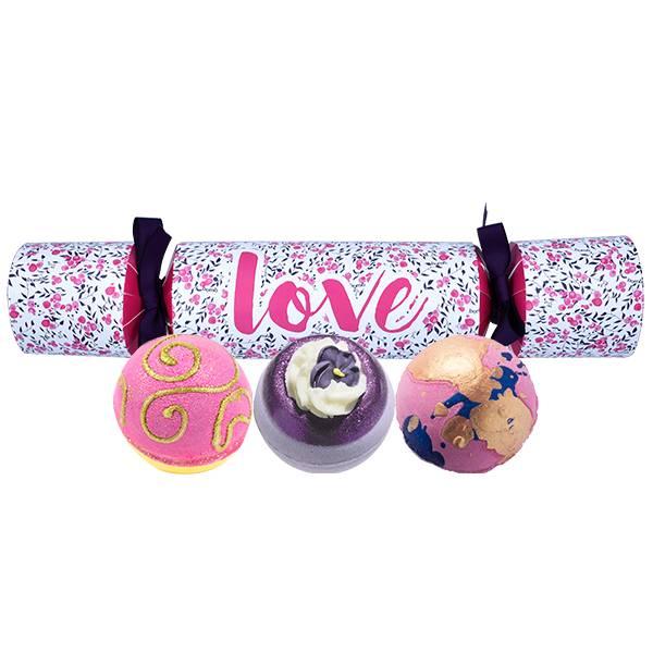 Bomb Cosmetics Love Cracker Bath Blasters - Cadeautip