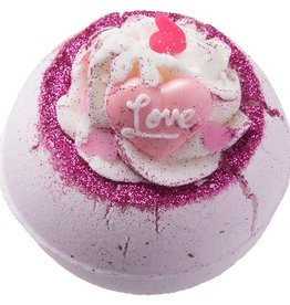 Bomb Cosmetics Badbruiser 'Fell In Love With A Swirl Bath Blaster'