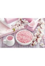 Body & Soap Grof badzout 350 gram in fles (Lichtroze) - Body & Soap