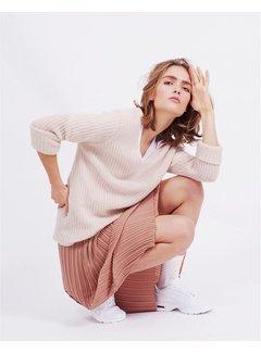 And Less Karina pullover