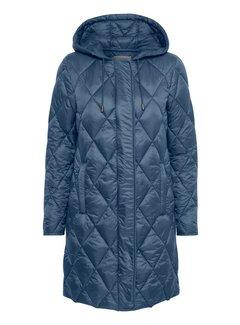 Part Two abrigo Ilja