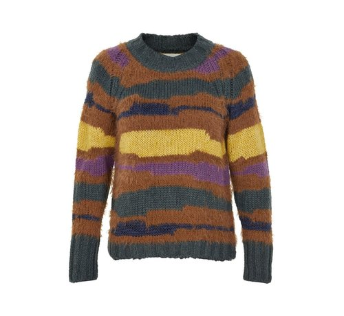 And Less Allecra pullover