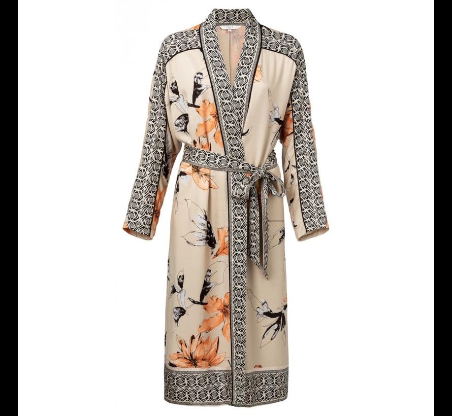 pitkä kimono bleiseri
