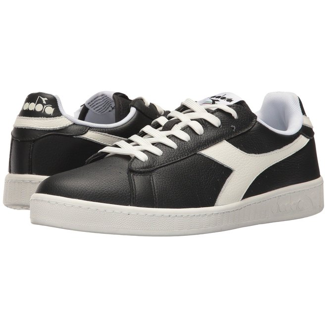 Game Low black/white women trainers
