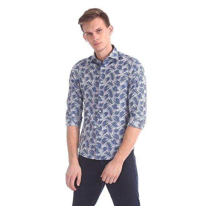 Wave Jacquard Slim Spread Collar Shirt