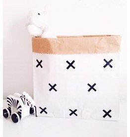 Mon Petit Zoreol Small paperbag met zwarte kruisjes