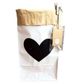 Mon Petit Zoreol Large paperbag met zwart hart