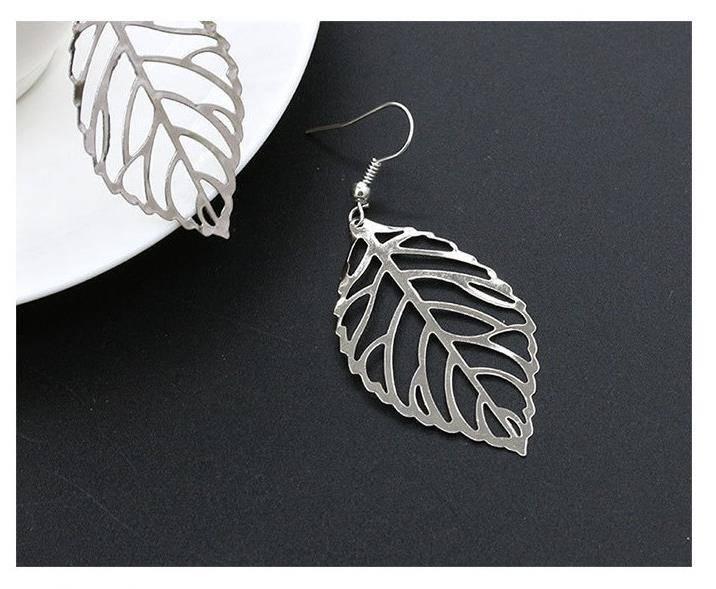 Joboly Große Ohrringe mit flachen Blättern