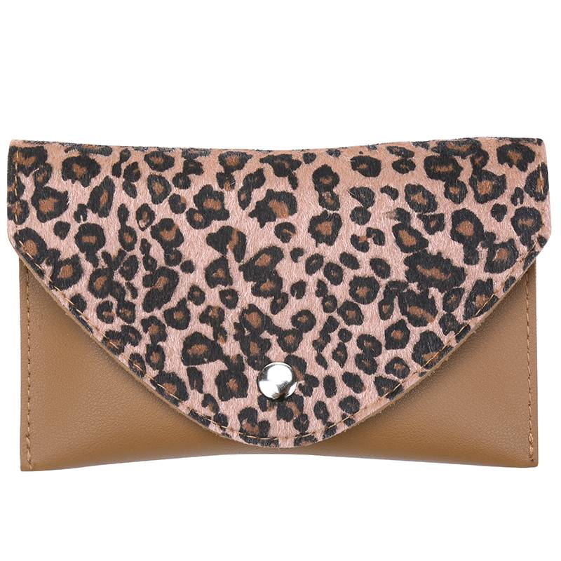 Lovelymusthaves Luipaard belt bag