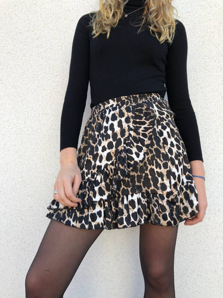 104c6982b12cc2 Lovelymusthaves Leopard rok Lovelymusthaves Leopard rok
