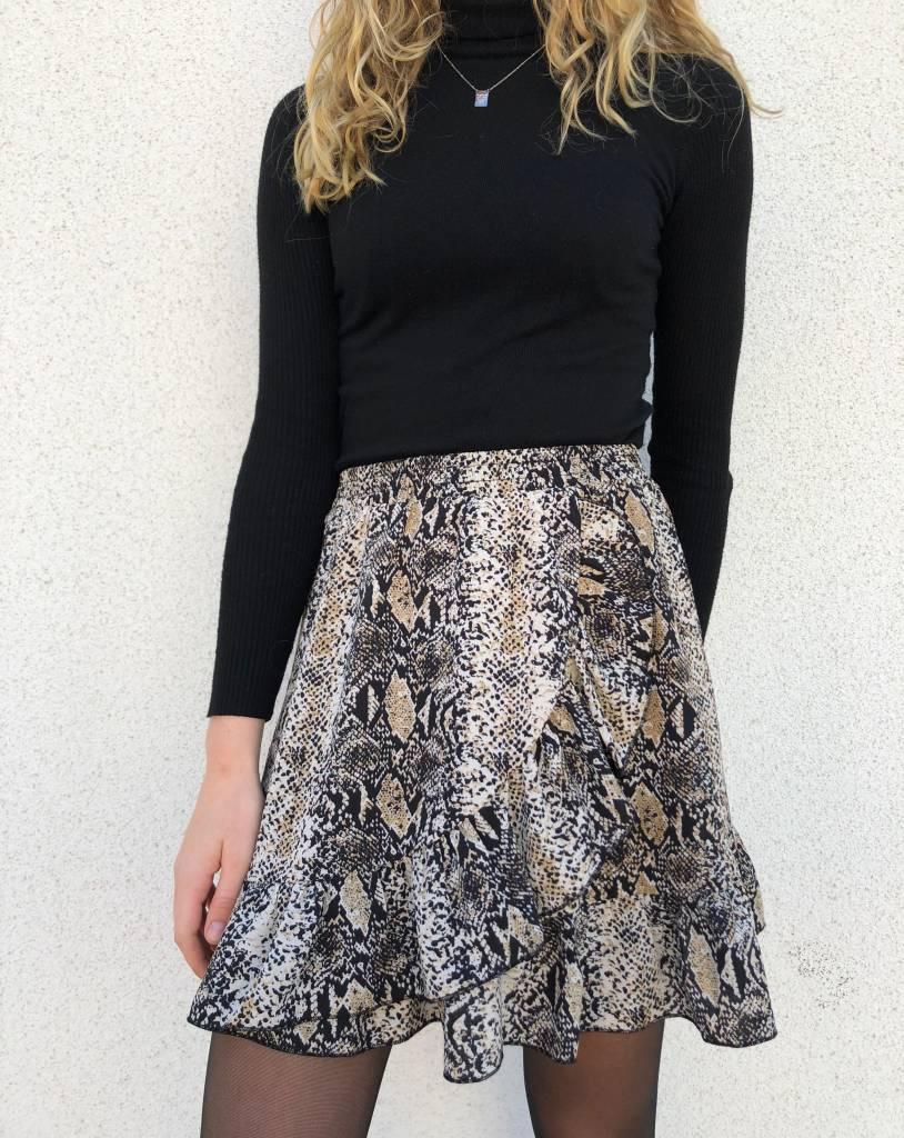 Lovelymusthaves Snake skirt