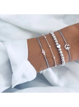 Joboly Set armbanden kralen hartje bolletjes 4 delig