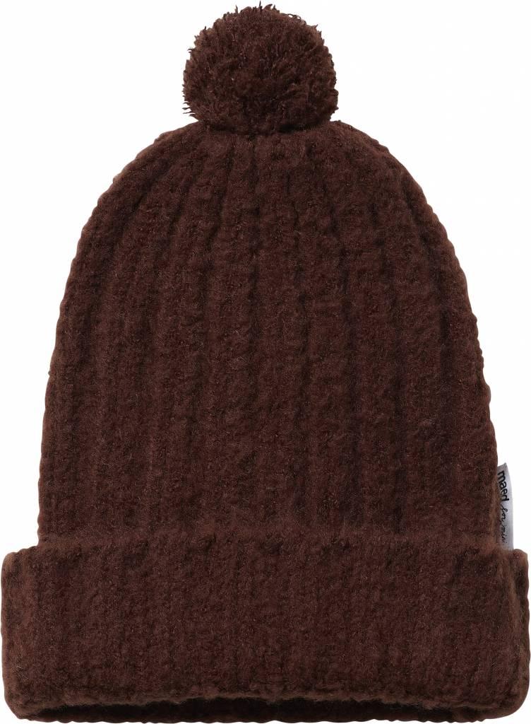 Maed for mini Decadent dachsund knit hat