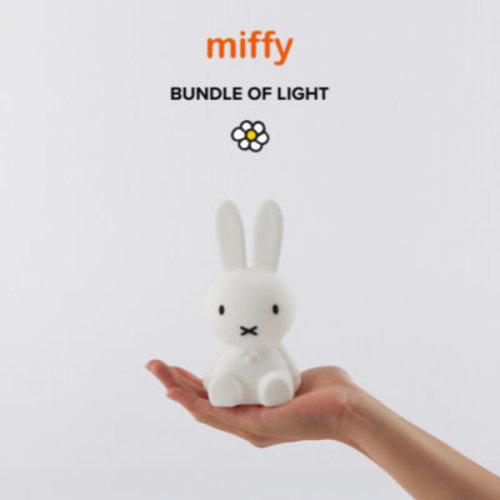 MrMaria Nijntje  Bundle of Light