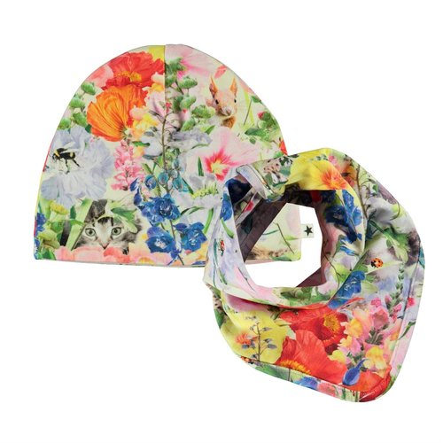 Molo Noon bib and hat set hide and seek