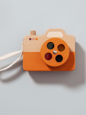 Houten camera oranje