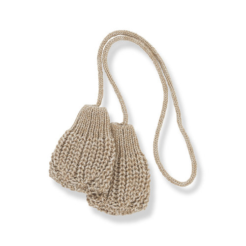 1+ in the family LEDA-bb mittens beige