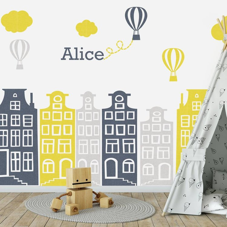 DecoDeco Muursticker Huisjes en luchtballonnen grijs - geel, met naam