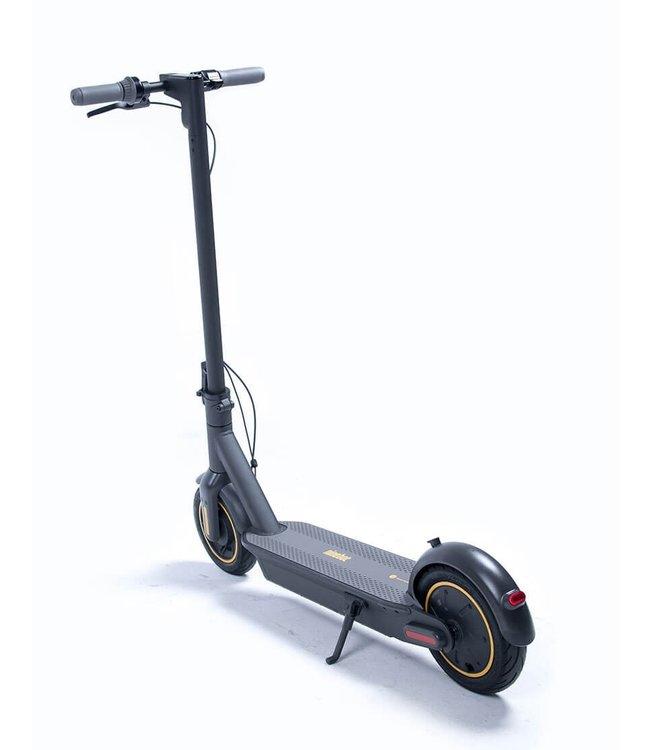 Segway Ninebot KickScooter MAX G30  (vervangen door gen II)