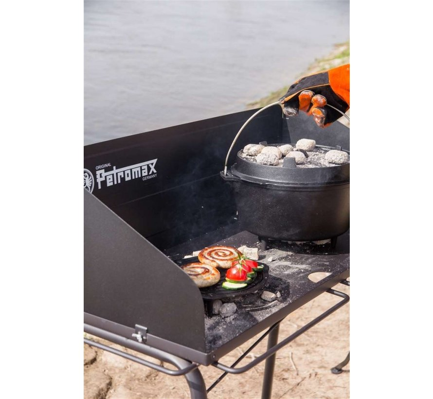Petromax Dutch Oven Tisch fe90