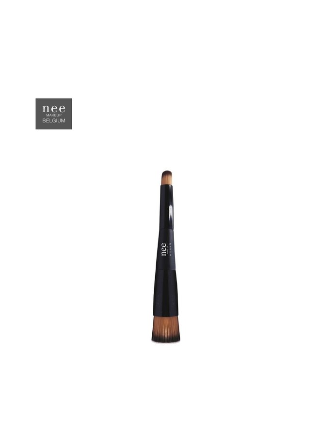 Nee Two in one brush foundation and concealer 333