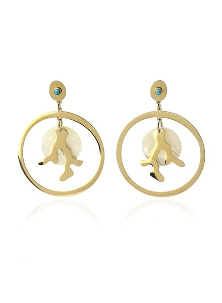 BPE316 ORGANIC DESIGN EARRINGS WITH PEARL OYSTER WITH A STONE IN THE CENTER AND A CORAL DESIGN IN GOLDEN ME