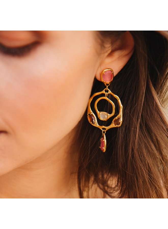 LONG EARRINGS IN ORGANIC DESIGN WITH DIFFERENT COLORED STONES