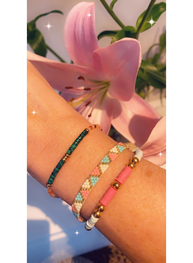 MULTICOLORED BEADS AND HEISHI BRACELET