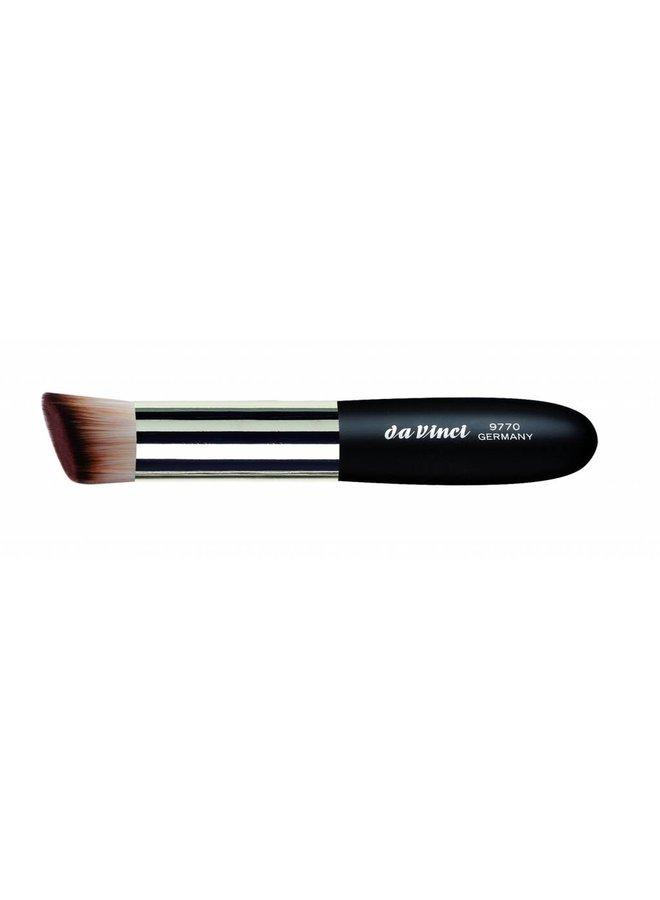 Classic Brush for Foundation & Creamy Blush 9770