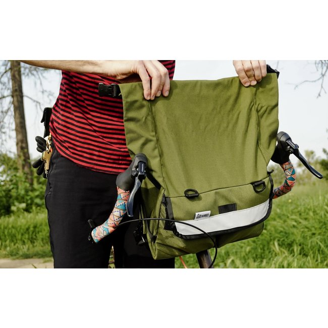 Road Runner Bags Middle Earth Jammer Handlebar Bag