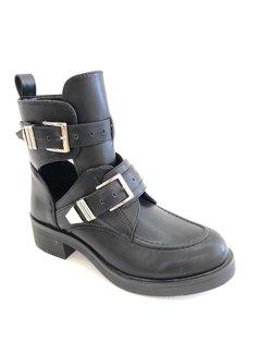 Cut out boots | black
