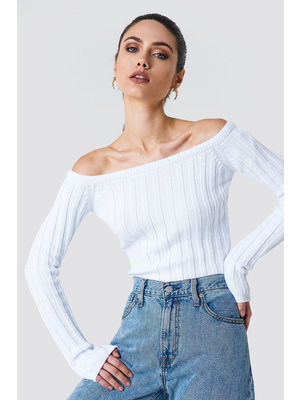 NA-KD CROPPED OFF SHOULDER KNITTED SWEATER 1018-001112 // offwhite
