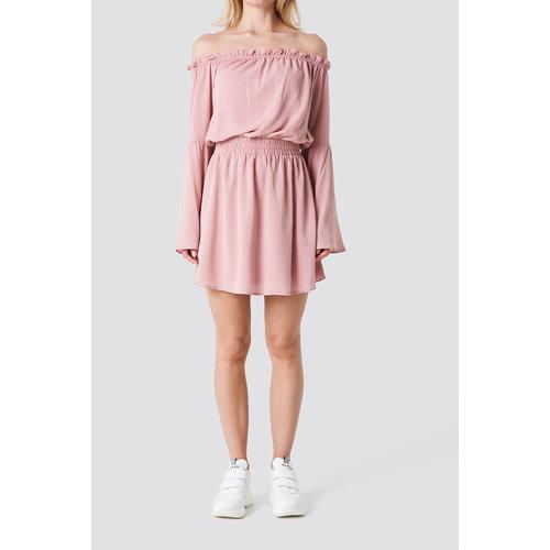 NA-KD 1100-000865 OFF SHOUDER DRESS // pink