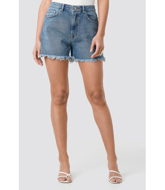 NA-KD 1018-002616 High Waist Raw Hem Denim Shorts // MID BLUE