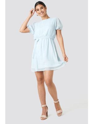 NA-KD SHORT SLEEVE CHIFFON DRESS 1018-003140 | pale blue