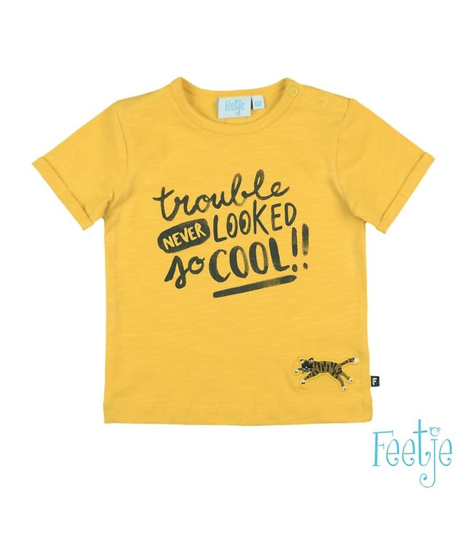T-shirt Trouble Never Looked 517.00543 // geel