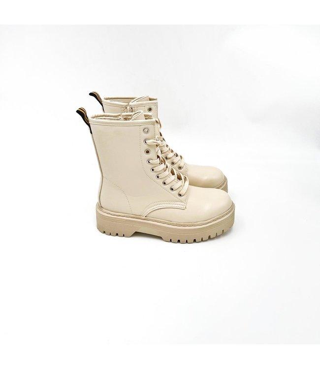 Platform boots // beige