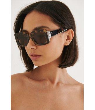 NA-KD Squared sunglasses 003411 - tortoise
