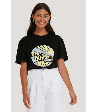 NA-KD Sun Is Out T-Shirt 000227 - Black