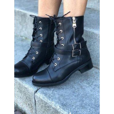 Jaimy Amor boots