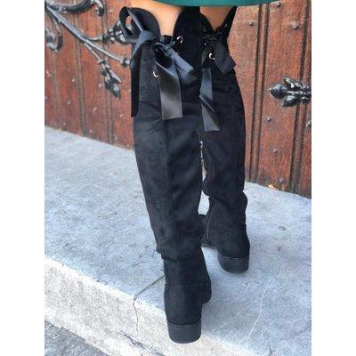 Jaimy Bow flat overknee boots