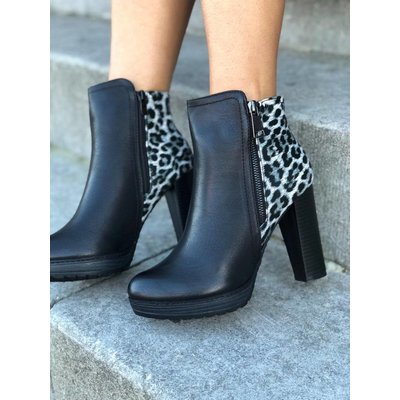 Jaimy Leopard ankle booties